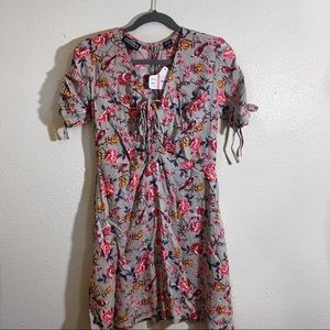 🎄3 for $25🎄Angie Gray Floral Mini Dress Size L
